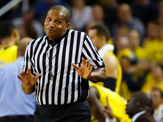 Ref Gives UNC Player the Cold Shoulder