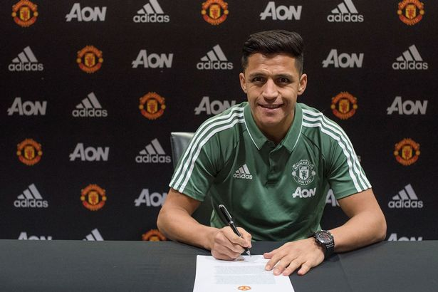 Alexis Sanchez Joins the Red Devils